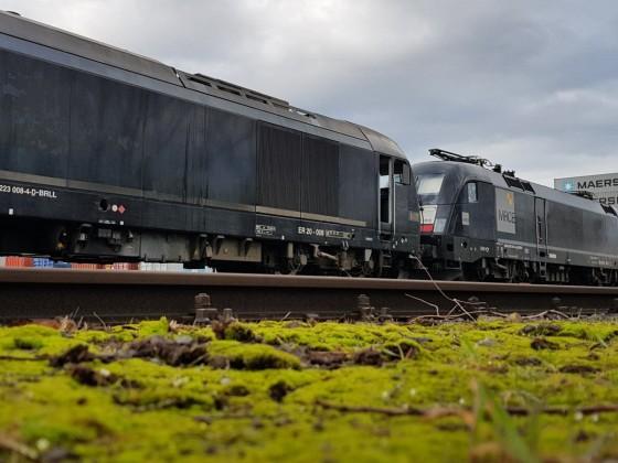 """ER20 rangiert TX-Zug """"RCO Austria"""""""