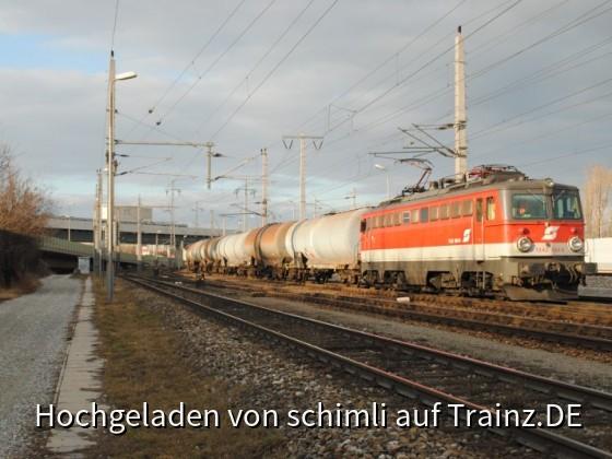 1142 684 mit Güterzug