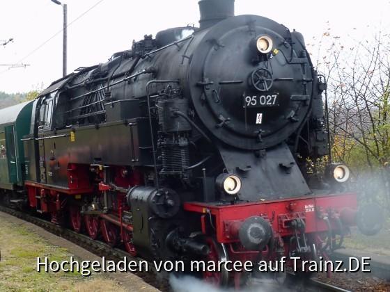 """BR 95 027 """"Bergkönigin"""" mit dem Vereinszug im Spitzkehrenbahnhof Michaelstein"""